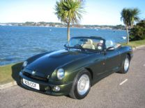 MG RV8 3.9 - 1 OF 2000 - ONLY 32,000 miles !